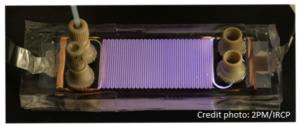 Réacteur plasma-liquide pour la synthèse chimique